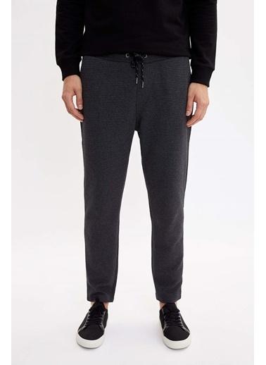 DeFacto Slim Fit Bağcık Detaylı Pantolon Siyah